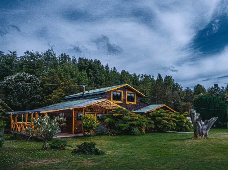 refugio y centro de actividades en katalapi